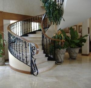 marble-polishedwhitemarblefloor
